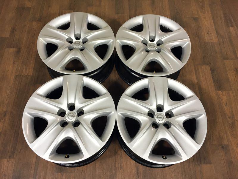 4 X Opel Astra J Design Stahlfelgen 7j X 17 Zoll Et42 5x105 Mit